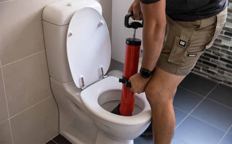 Πότε χρειάζεται απόφραξη της κάθετης τουαλέτας