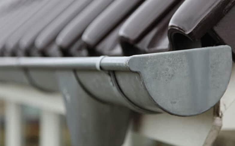 Πότε χρειάζεται απόφραξη της κάθετης υδρορροής βεράντας